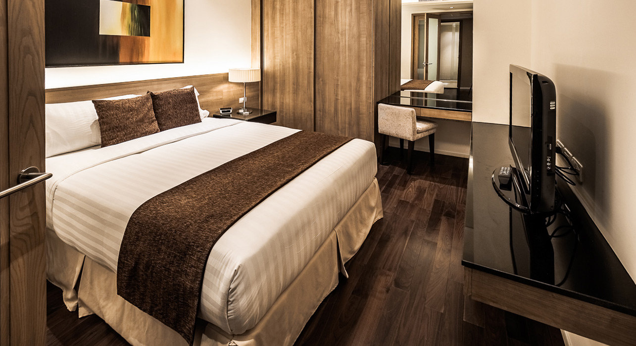 akyra Thonglor Bangkok - Three Bedroom Suite King Sized Bed
