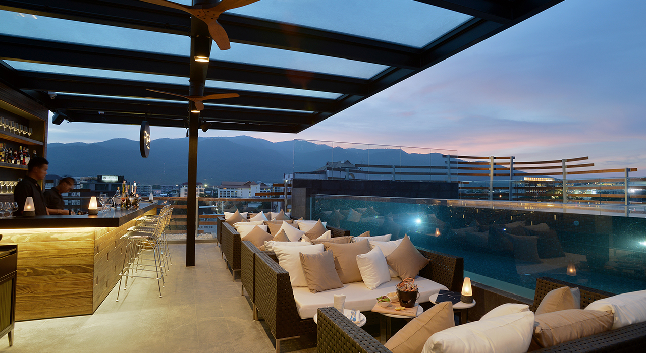 Rooftop Bar, Lounge and Restaurant - akyra Manor Chiang Mai