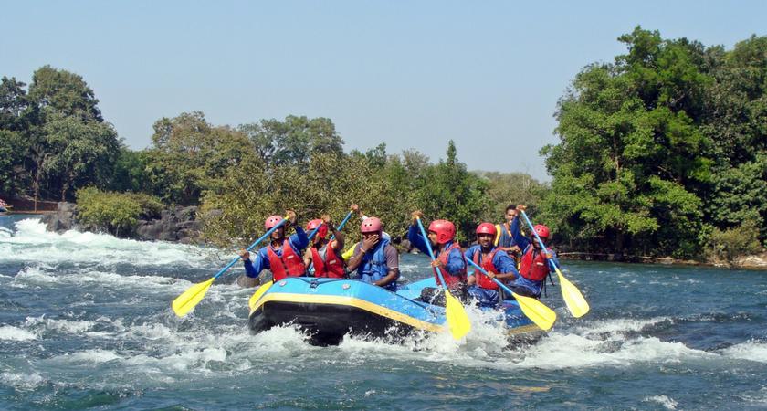 Taeng River near Chiang Mai