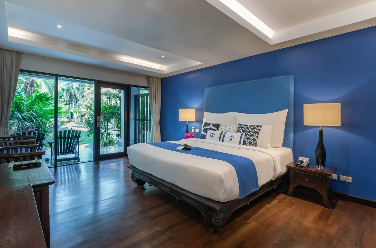 Deluxe Suite with King Size Bed - akyra Beach Resort Phuket