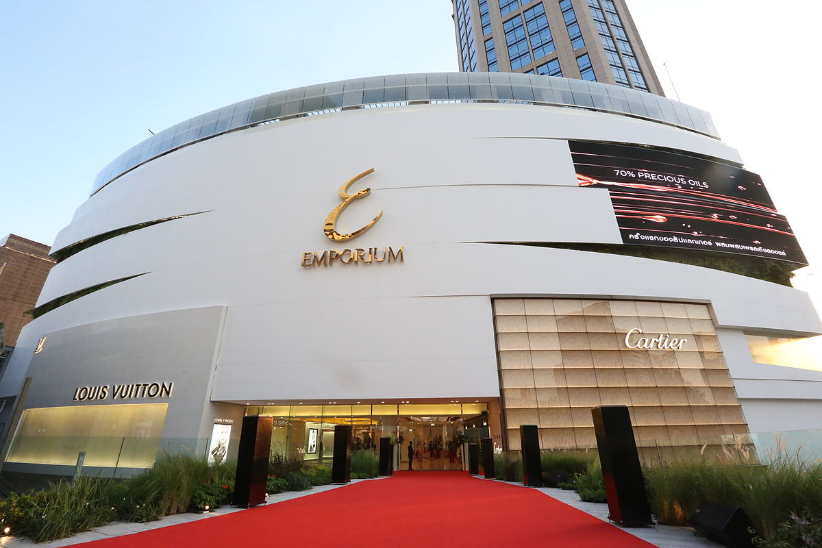 Emporium Shopping Mall in Bangkok - akyra Thonglor Hotel