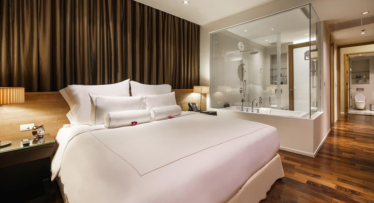 Three Bedroom Serviced Apartment Suite Master Bedroom - akyra Thonglor Bangkok Hotel