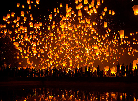 "Chiang Mai's Loy Krathong ""Festival Of Lights"""