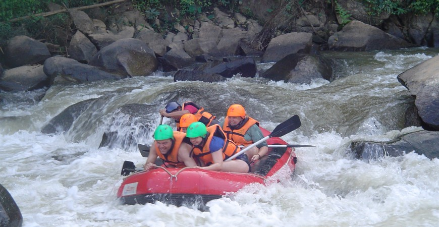 whitw water rafting around Chiang Mai