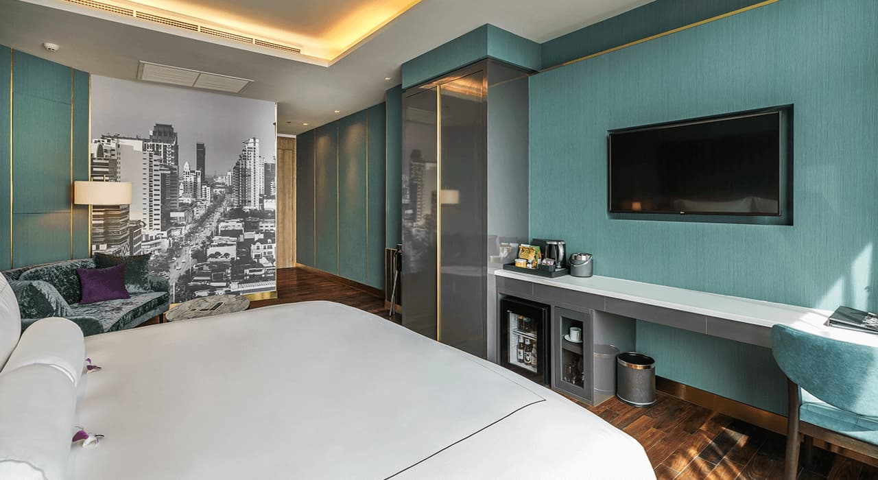 Luxury Interior Studio Suite - akyra Thonglor Bangkok Hotel