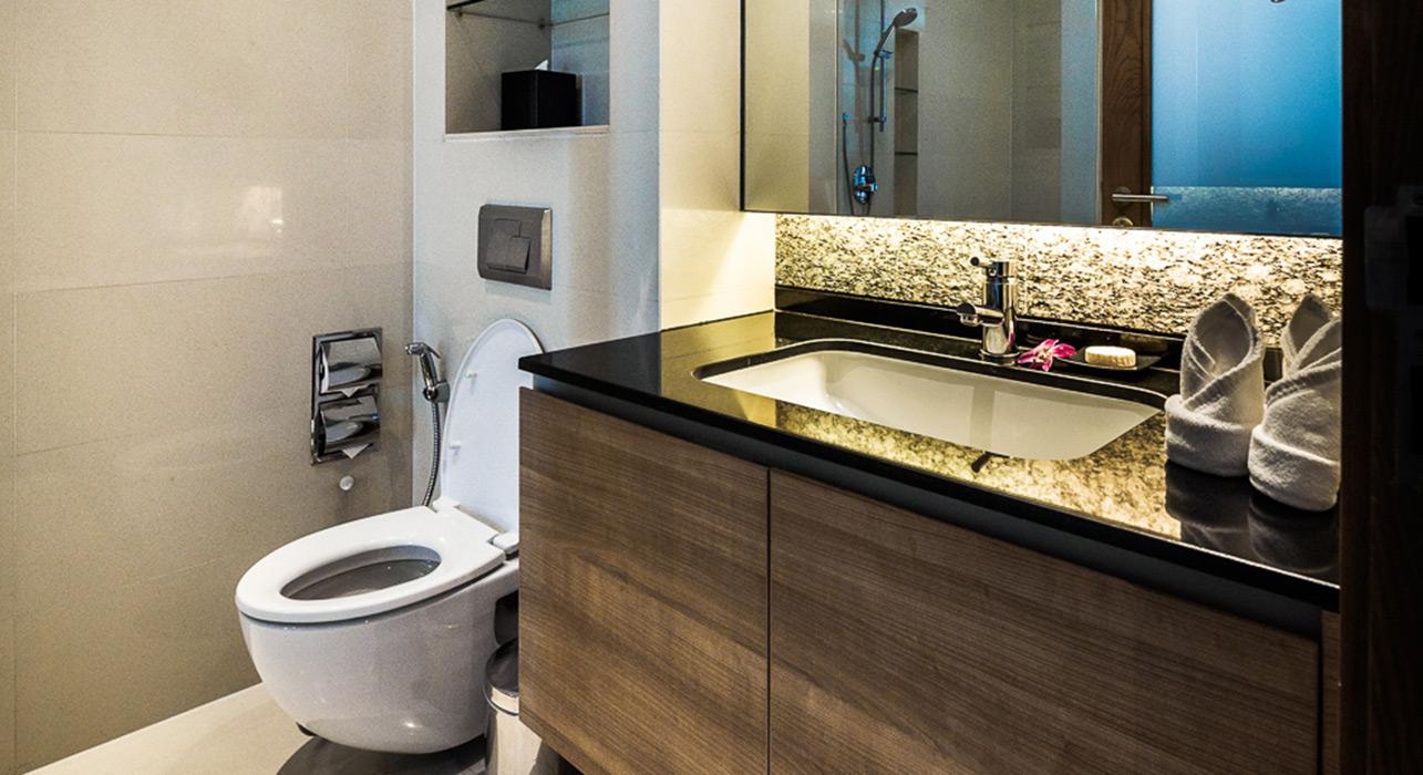 akyra Thonglor Bangkok - Three Bedroom Suite en suite Bathrooms