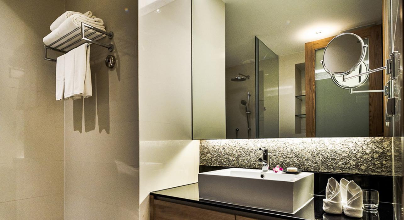 akyra Thonglor Bangkok - Three Bedroom Hotel Suite with seperate bathrooms