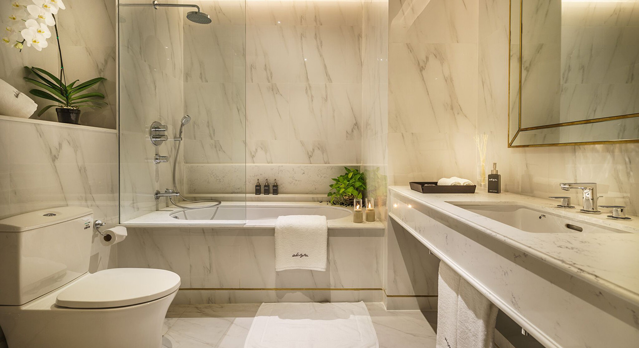 Large bathroom suite - akyra Thonglor Bangkok