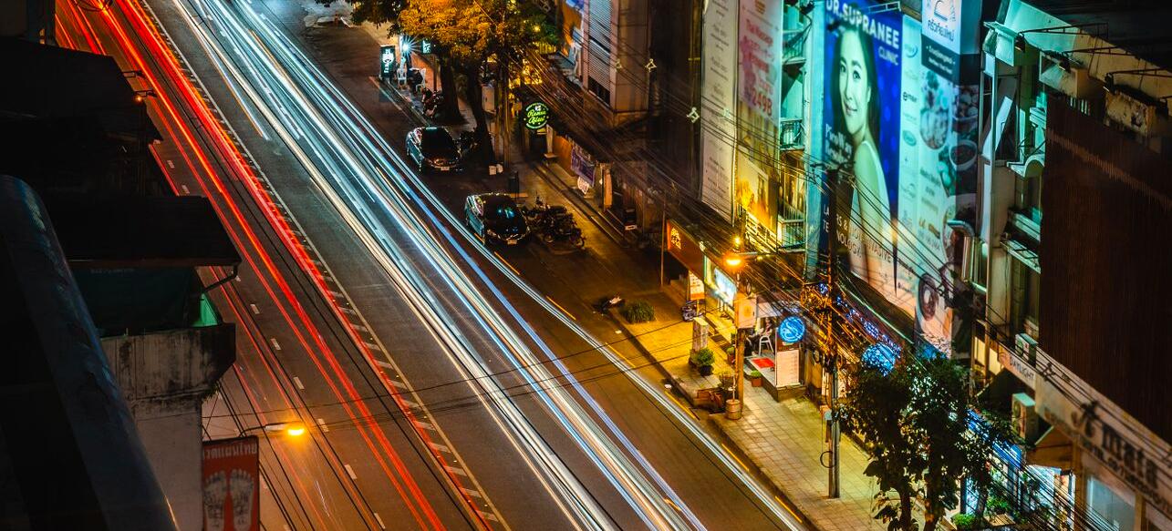akyra_thonglor_bangkok_area_around_hotel_night_street.jpg
