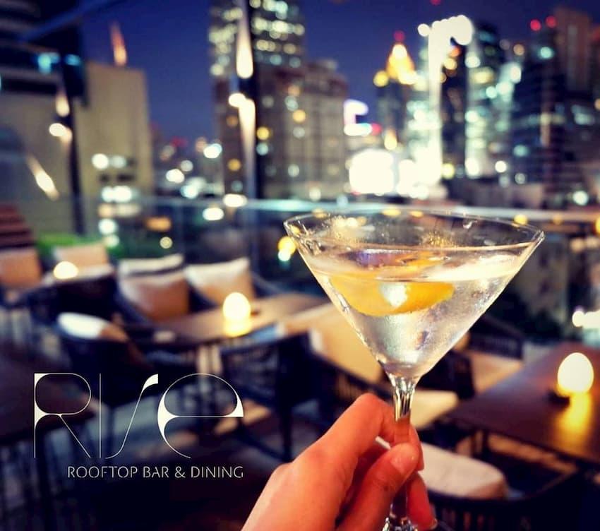 Roof Bar Cocktails in Bangkok