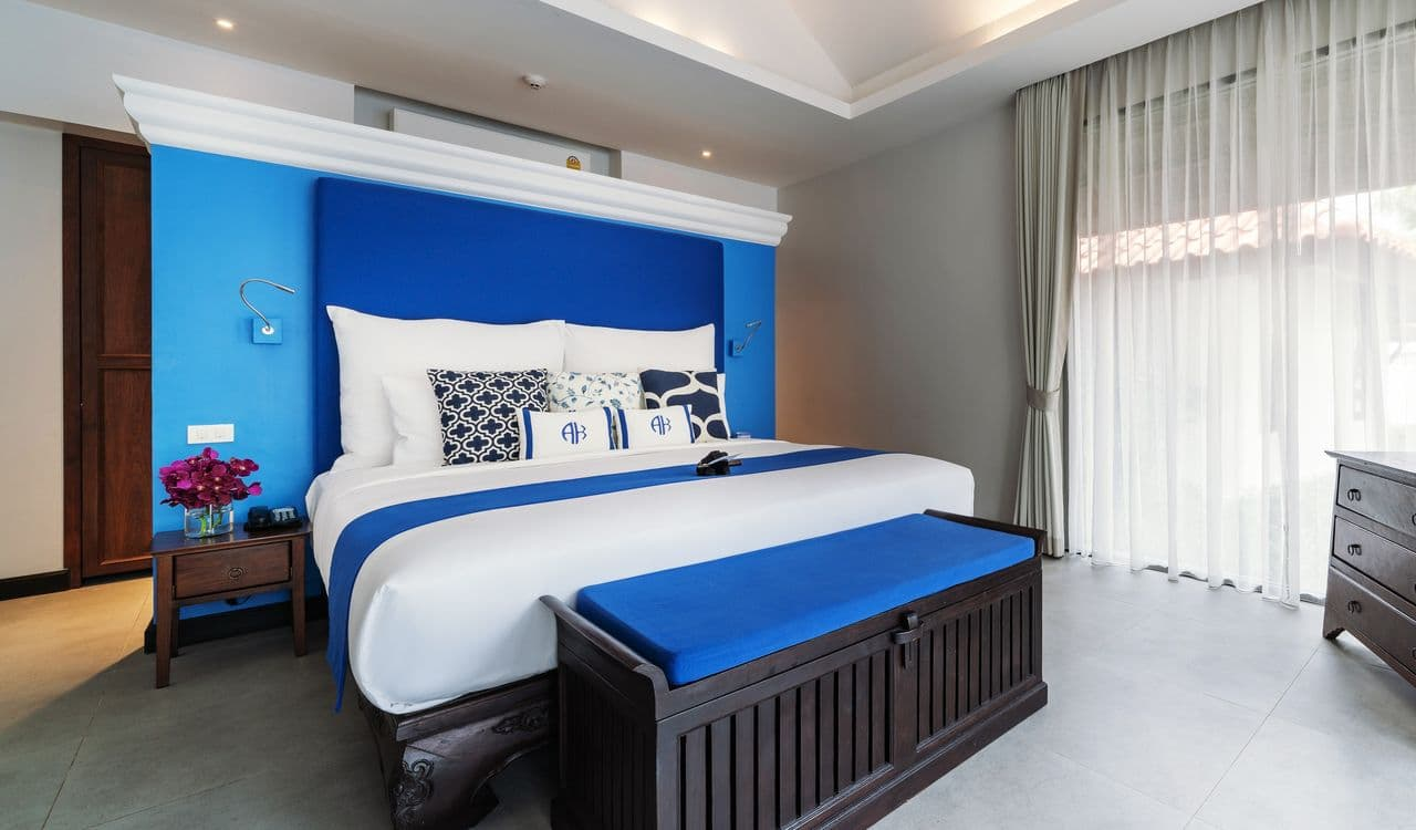 Seaview Villas King Size Bed - akyra Beach Resort Phuket