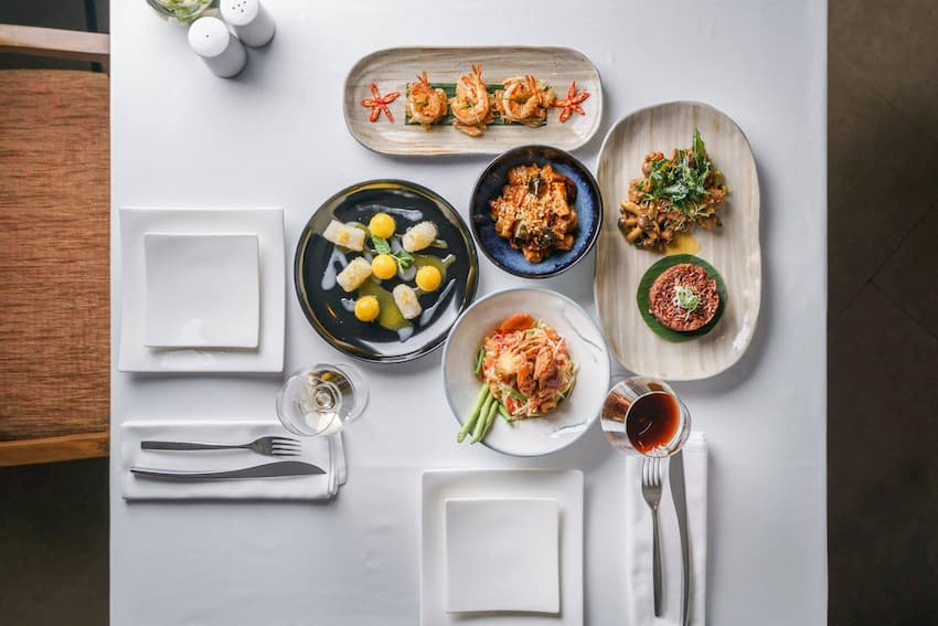 Take Away and Delivery in Thonglor - Som Tam & Chardonnay Restaurant