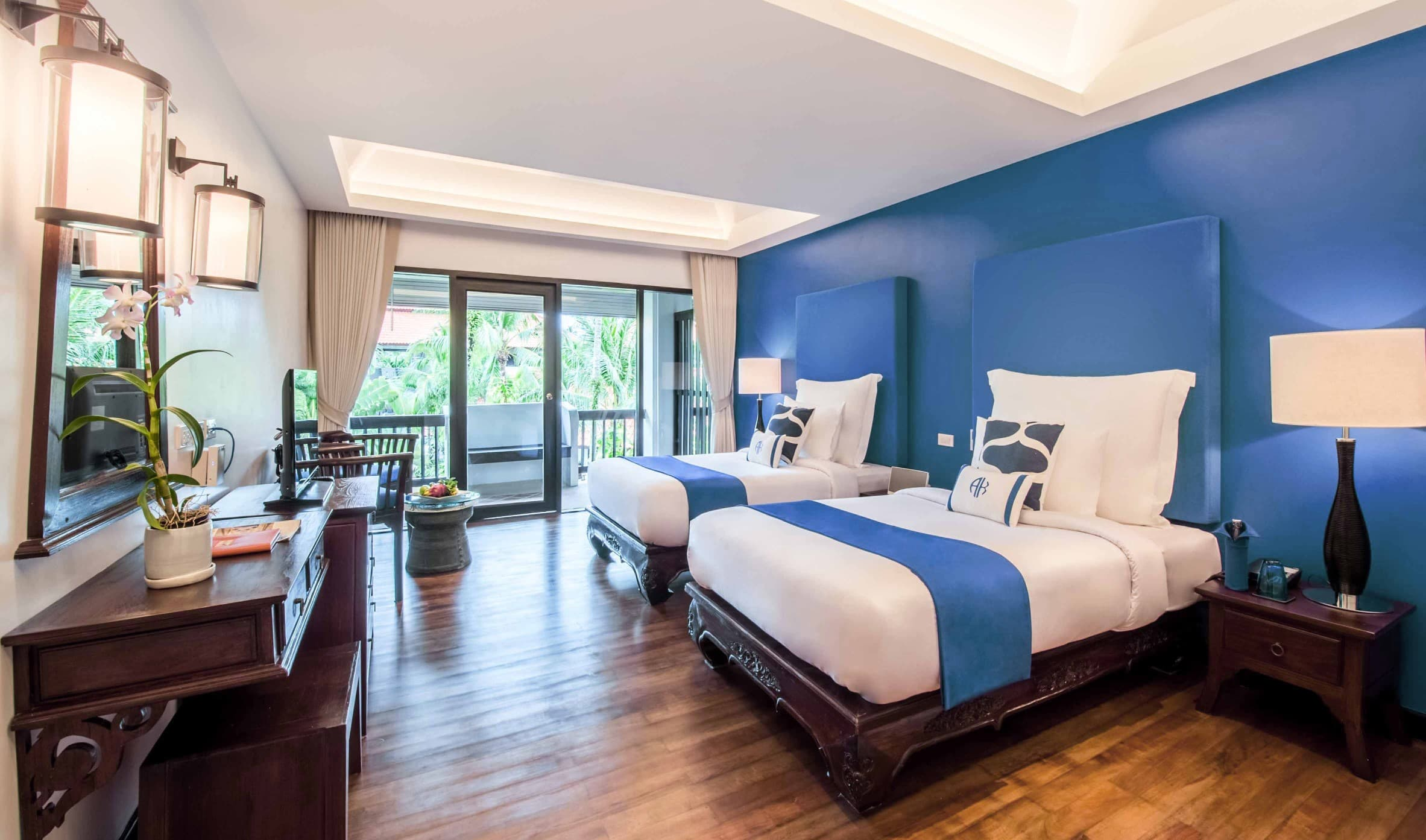 Deluxe Suite with Twin Beds - akyra Beach Resort Phuket