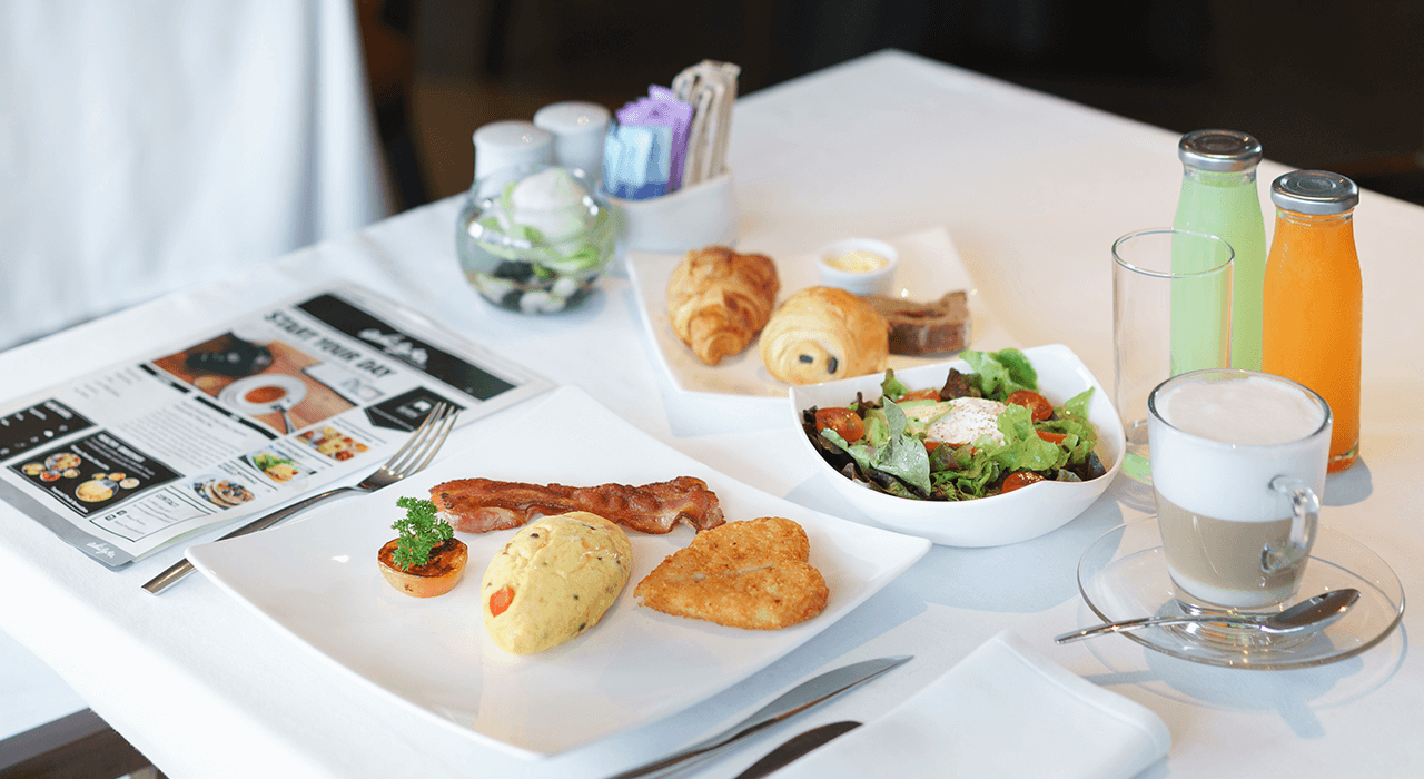akyra Thonglor Bangkok - Breakfast Restaurant