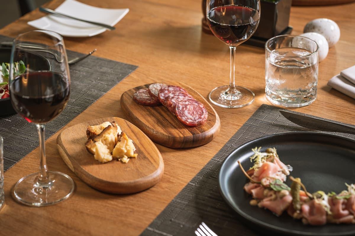 Otto Italian Restaurant - Table Set Up