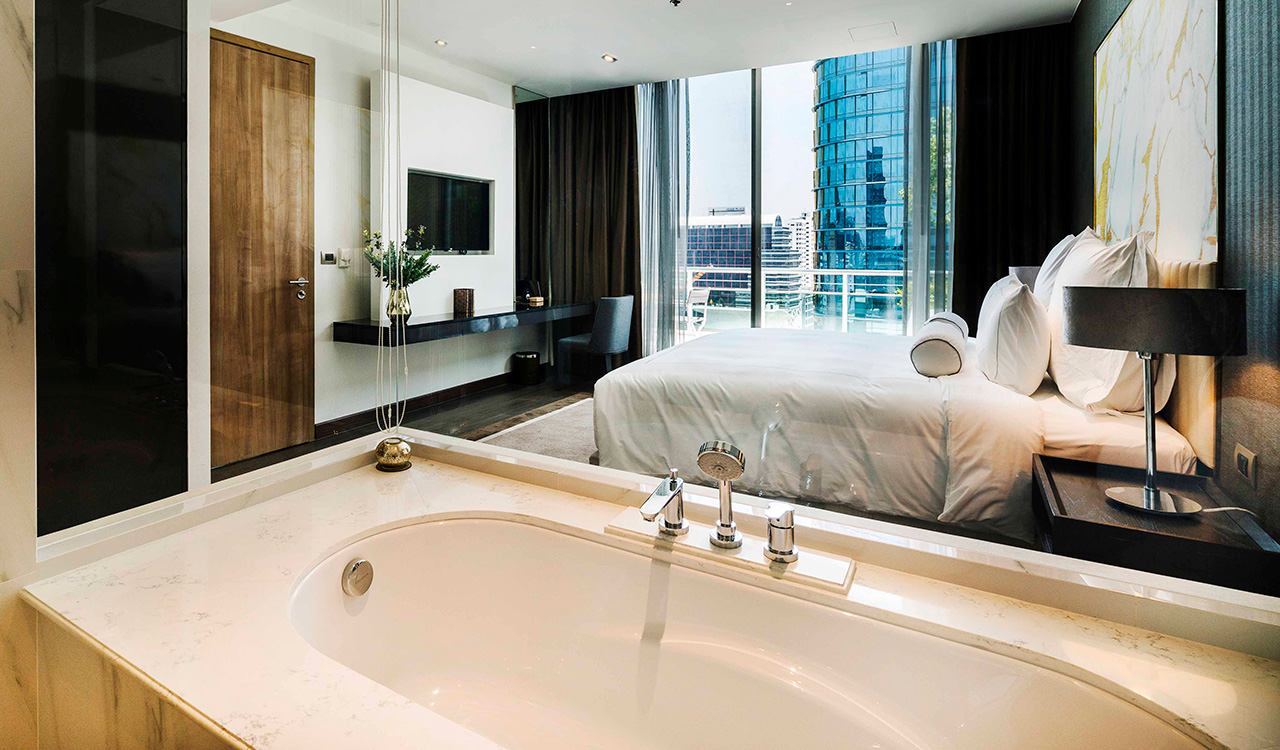Deluxe two bedroom suite bath - akyra Thonglor Bangkok