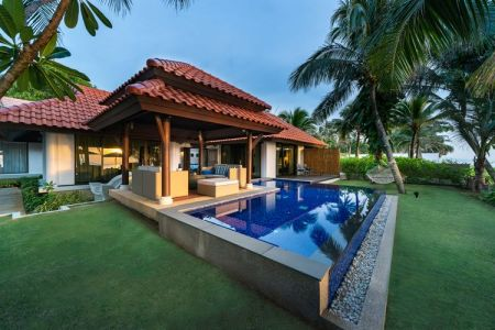 Two-Bedroom Beachfront Pool Villa